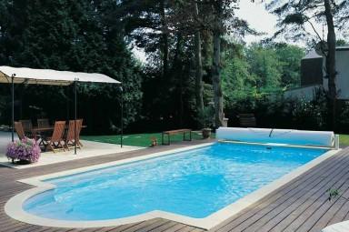Mantas t rmicas para piscinas piscinas desjoyaux for Cubre piscinas automatico