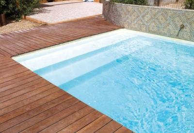 Escaleras para piscinas piscinas desjoyaux for Piscinas desjoyaux