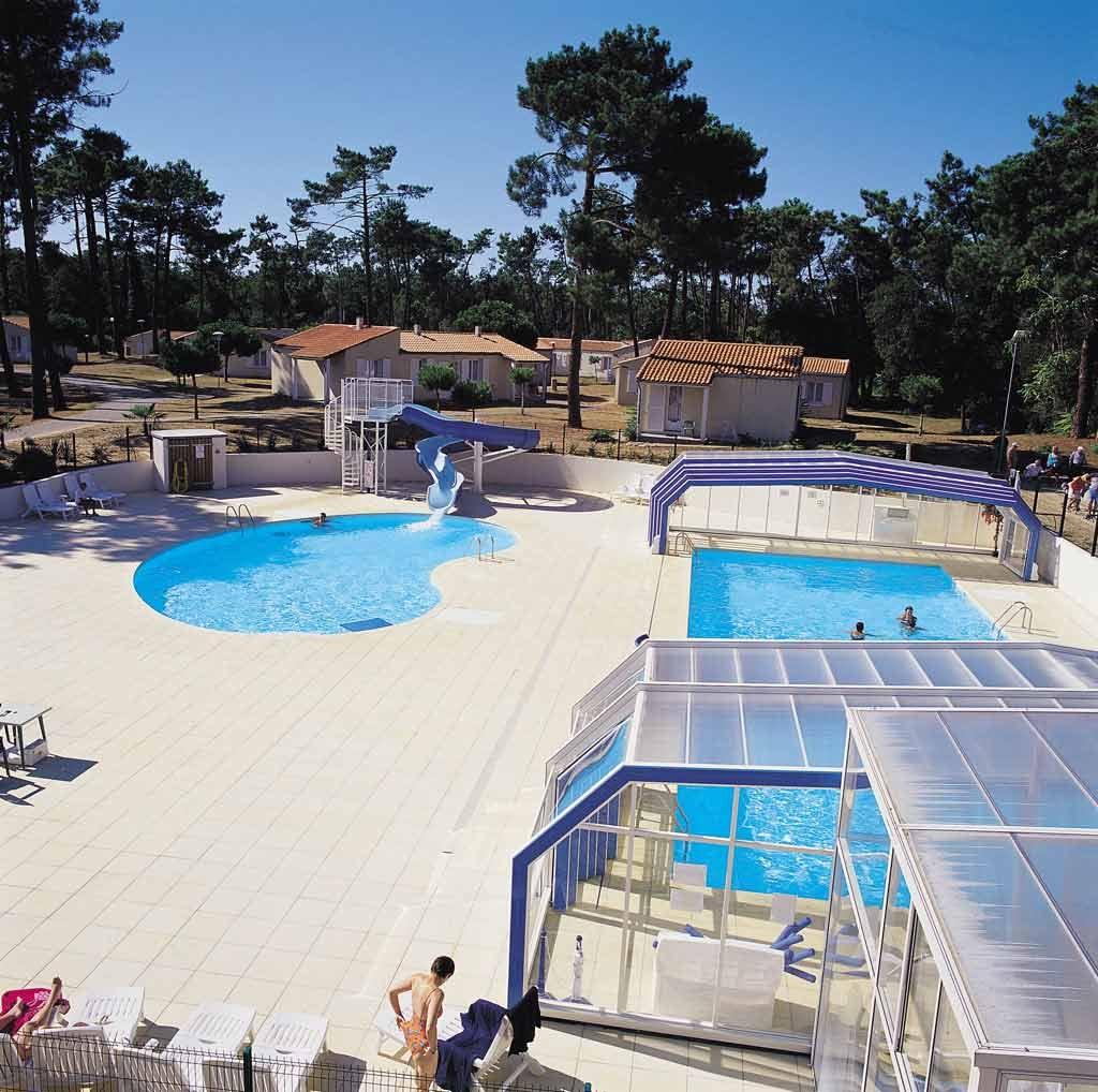 Piscinas colectivas piscinas desjoyaux for Medidas de albercas