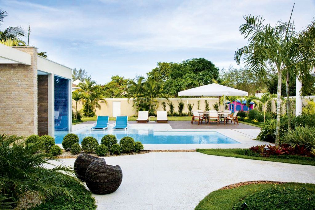 en desjoyaux le la piscina ideal desde diseos a otros con toques atrevidos piscinas que le harn soar