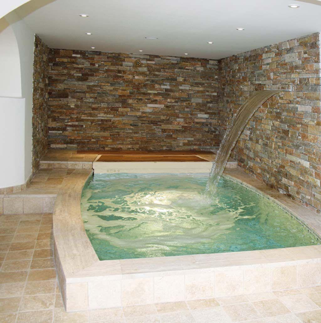 Piscinas interiores piscinas desjoyaux for Cuanto cuesta una piscina de obra