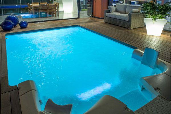 Piscinas interiores piscinas desjoyaux for Ofertas de piscinas estructurales